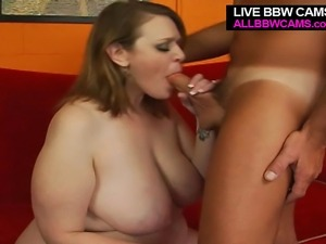 Giant Ass And Wide Pussy Gets A Dick In Y Cunt Part 1