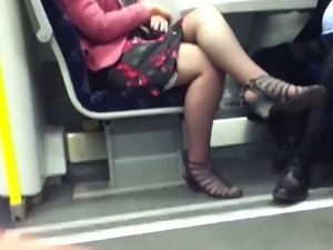 Candid Sexy Crossed Legs 8. Hot Mature! (+slow motion)