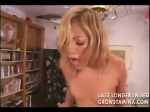 Hot  gets fucked till she squirts free