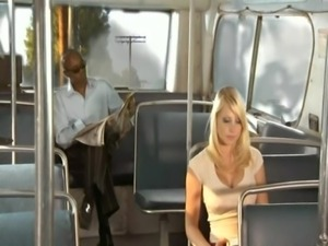 Shawna Lee fucks Sean Michaels on the Bus free