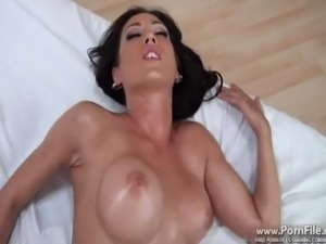 Capri Cavalli  is back for another massage part 4