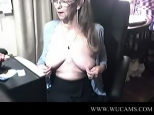 Lovely granny with glasses 4  cumlicking emmanuelle girsl leah peruana zen...