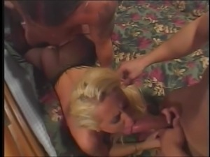 Crazy threesome by the hot youngsters