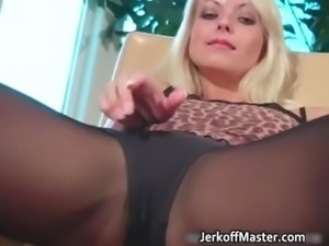 Sexy stripper Jana Cova shows her huge part4