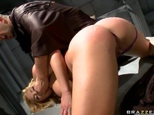 beautiful blonde is getting fisted then gives a blowjob