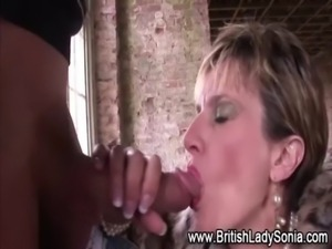Slutty mature brit Lady Sonia free