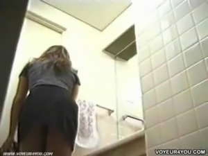 Maid Girls Changing Voyeur free