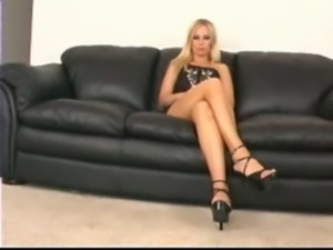 Mistress Samantha At her Feet free
