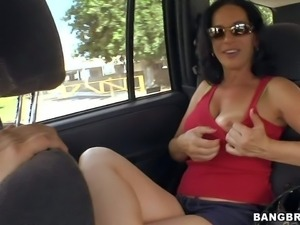 Dark haired and playful milf Melissa Monet enjoys in hot