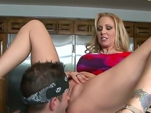 So hot and beautiful couple with the Julia Ann and Kris Slater shows us oral...