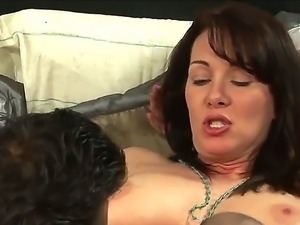 Hot brunet milf wearing black stockings sucked a cock after getting her pussy...