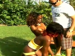 Lucku lucky Sergio feeling the beat blowjob in his life by juicy chick...