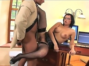 Arousing secretary Renata Black pleases her boss and gives him amazing oral