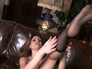 Jamie Lynn loves having her shaved cunt deep stimulated in nasty solo sessions