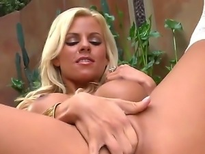 Impressive blonde Nicole Graves gets pleased after a full solo session