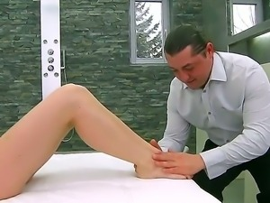 Sexy brunette babe gives guy a steamy mind blowing foot job to maximum...