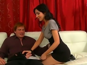 Diana Prince is seducing her friends husband Evan Stone with zealous blowjob...