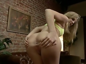 Hot chick Chastity Lynn gets brutally fucked in her mouth and tight juicy...