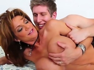 Young Danny Wylde loves her girlfriend, but he can not resist her best moms...