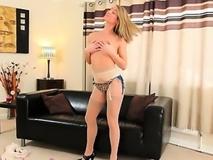 Pantyhose and high heels for my dick