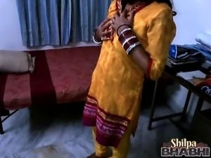 indian wife shilpa masturbating in her bedroom
