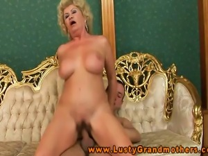 Blonde gilf pussyeaten and fucked before rimming his asshole