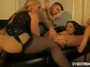 Sophie lynx and kathia nobili love foursomes