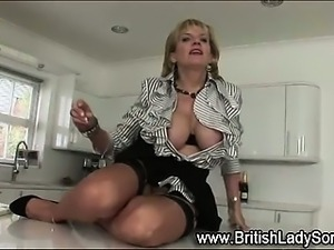 Stocking milf Lady Sonia toying
