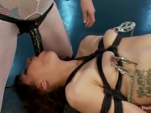 one slave for two electro sluts