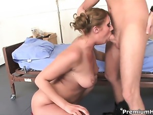Ava Rose loses control in fucking frenzy