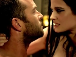 Eva Green Nude in 300 - Rise of an Empire