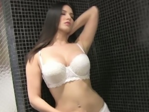 Sunny leone masturbates all alone and poses