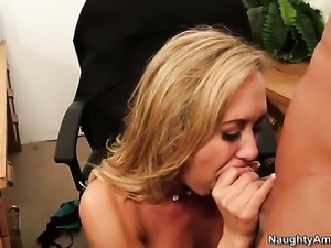 Brandi Love gets the pleasure from pussy slamming with Bill Bailey like never...