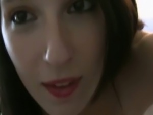 Young girlfriend records her masturbating session