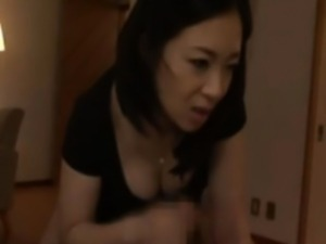 Japanese mature sucking and tugging