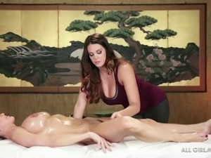 blonde milf brandi gets a rub down