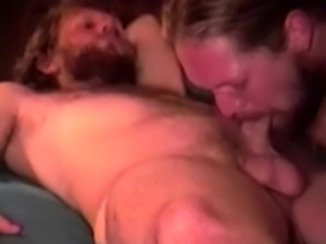 Straight mature long haired bear suck