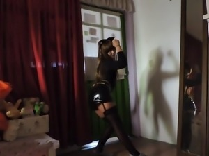 cute cosplayer sexy dancing (not porn)