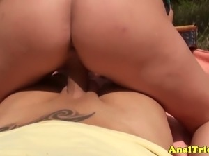 Sexy little girlfriend takes it up in the ass!
