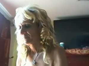Blond haired curly mature ugly webcam bitch showed her ass