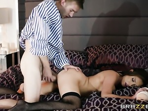 Danny D ejaculates after Brunette Nikki Benz with giant knockers gives magic...
