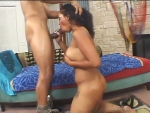 Donna Red gets cum on her ass after getting her cunt fucked from behind