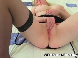 British milf Fiona fingers her soaking wet pussy