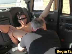 Spanish taxi slut fucked through sluthatch
