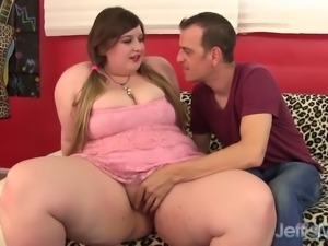 Plump princess sucks and fucks