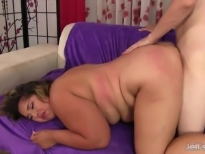 Chubby woman gets fucked and facial
