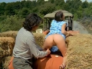 Brigitte Lahaie Cathy Submissive Girl (1977) sc2