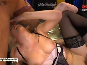 Super hot babe Daisy Lee loves bukkake parties - German Goo