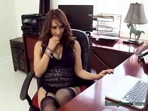 Sexy Boss Isis Love Masturbates In Her Office