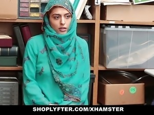 Shoplyfter- Hot Muslim Teen Caught & Harassed